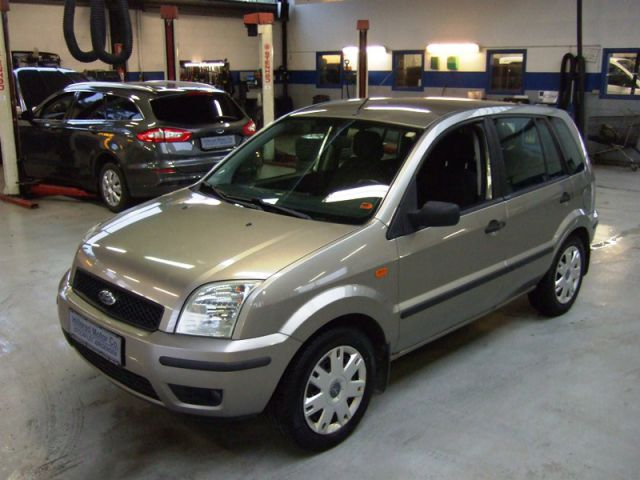 Ford Fusion 5dr 1.4i Trend Automatic MPV